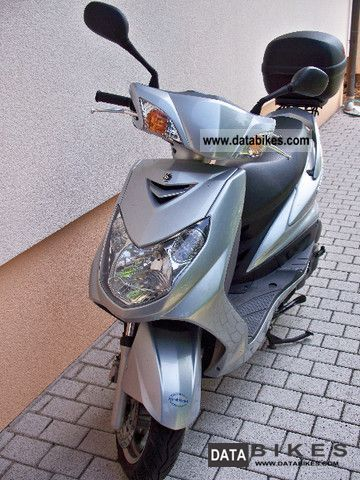 2007 Yamaha  Cygnus X- Motorcycle Scooter photo