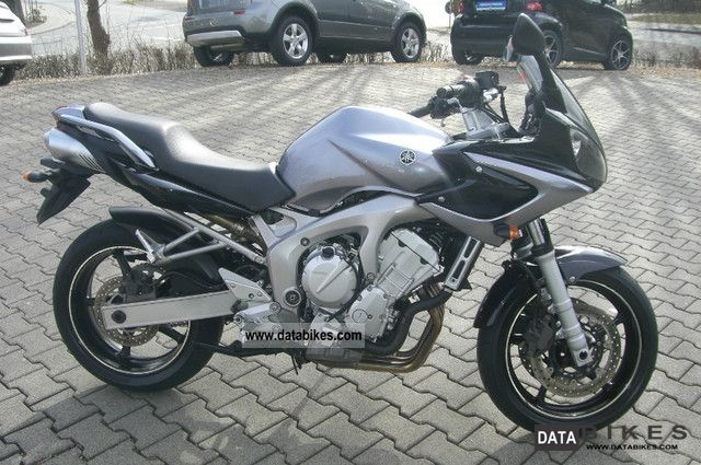 2005 Yamaha  FZ6 Fazer Motorcycle Sport Touring Motorcycles photo
