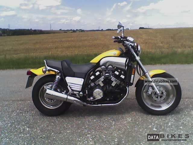 1995 Yamaha VMX 1200 V-Max - Moto.ZombDrive.COM