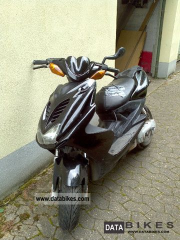 2005 Yamaha  Aerox Motorcycle Scooter photo