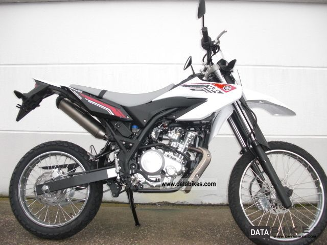 2011 Yamaha  WR 125 R Yamaha Dealer Motorcycle Enduro/Touring Enduro photo