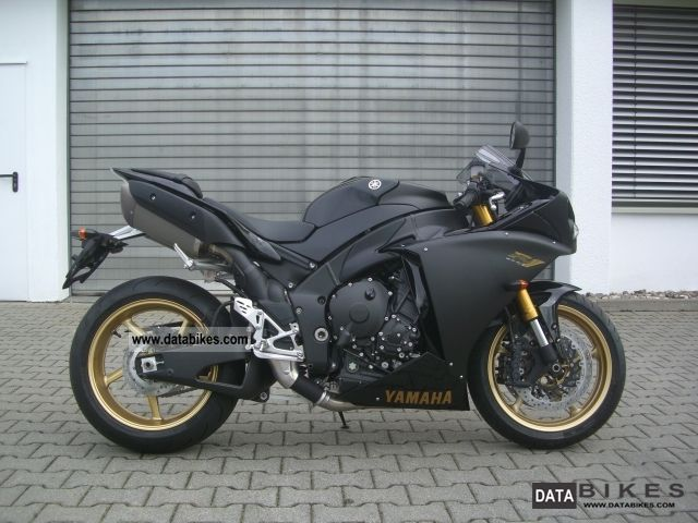 2012 Yamaha  YZF R1 Motorcycle Sports/Super Sports Bike photo