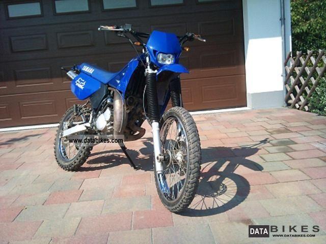 2000 Yamaha  DT 125R Motorcycle Lightweight Motorcycle/Motorbike photo