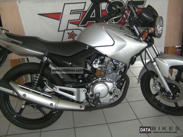 2011 Yamaha  As new YBR 125 Motorcycle Lightweight Motorcycle/Motorbike photo