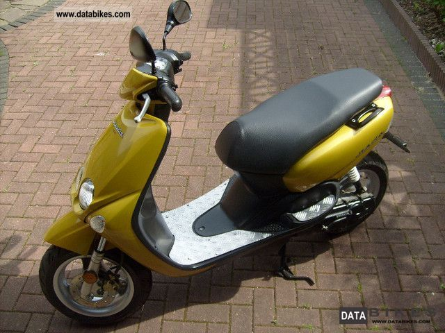 Yamaha  Neos 2000 Scooter photo