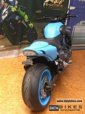 2011 Yamaha  VMax 1700 Custom Bike \ Motorcycle Motorcycle photo