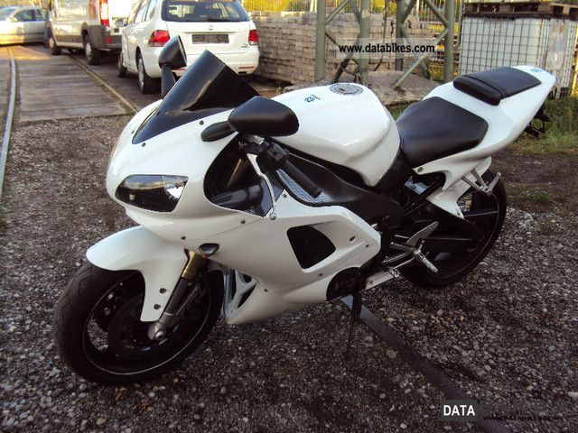 1999 Yamaha  YZF R1 Motorcycle Sports/Super Sports Bike photo