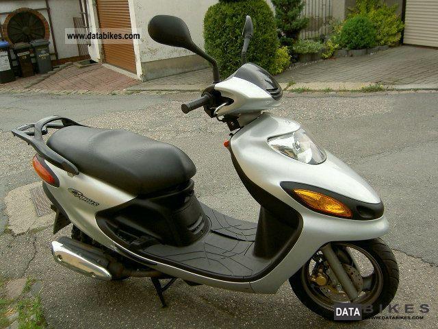 2000 Yamaha  Cygnus XC 125 F Motorcycle Scooter photo