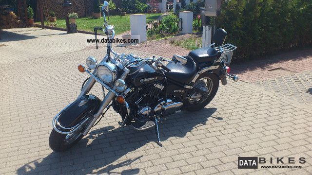 2006 Yamaha  CLASSIC XVS 650 Motorcycle Chopper/Cruiser photo