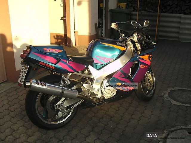 1995 Yamaha  YZF 750 Motorcycle Sports/Super Sports Bike photo