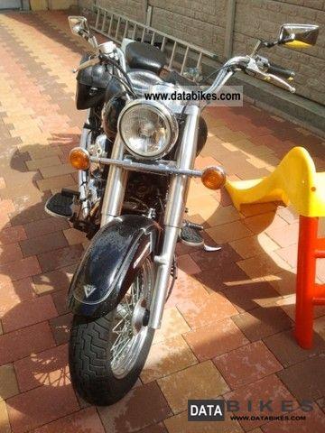 2004 Yamaha  Drag Star 650 Motorcycle Chopper/Cruiser photo