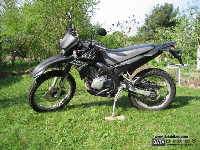 2005 Yamaha  XT125R Motorcycle Enduro/Touring Enduro photo