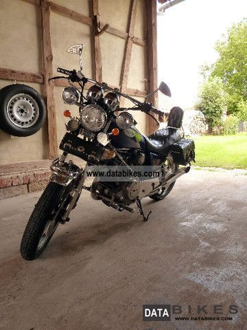 1981 Yamaha  XV 750 Motorcycle Chopper/Cruiser photo