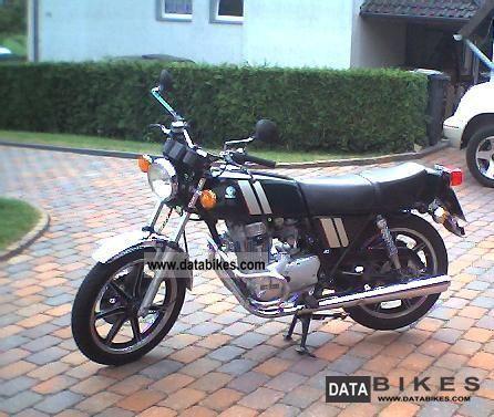 1981 Yamaha  XS 250 Motorcycle Motorcycle photo