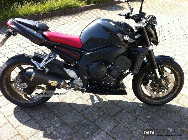 2011 Yamaha  FZ 1 Motorcycle Naked Bike photo