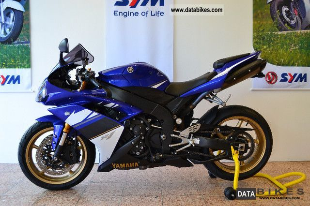 2008 Yamaha  YZF R1 Motorcycle Sports/Super Sports Bike photo