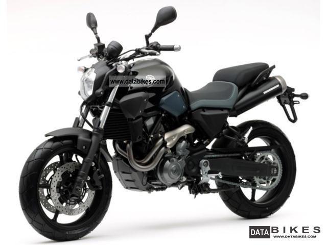 2011 Yamaha  MT-03 Motorcycle Naked Bike photo