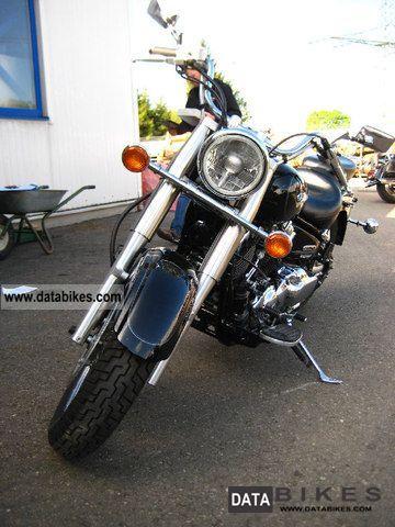 2006 Yamaha  XVS 650 A from the Yamaha dealer Motorcycle Chopper/Cruiser photo