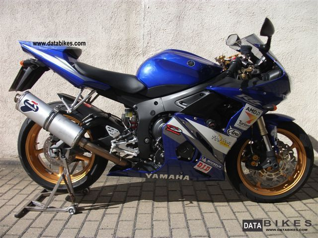 2005 Yamaha  R6 Motorcycle Sports/Super Sports Bike photo