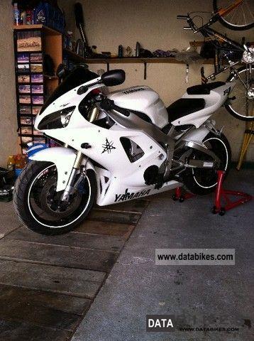 2001 Yamaha R1