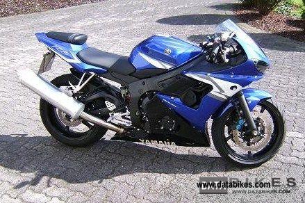 2004 Yamaha  R6 Motorcycle Sports/Super Sports Bike photo