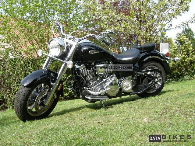 2007 Yamaha  XV 1700 Road Star Midnight Motorcycle Chopper/Cruiser photo