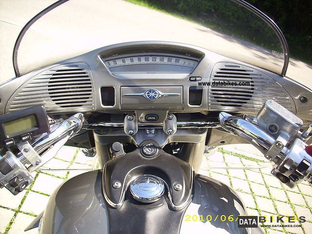 Xvz A Royal Star furthermore Yamaha Maxim Yamaha Motorcycles For Sale X furthermore Yamaha Rs Venture Gt likewise Maxresdefault together with Yamaha Royal Star Tour Deluxe Venture Pearl White Touring. on yamaha motorcycles royal star venture