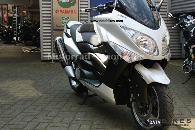 2010 yamaha t max max limited edition white t max t max. Black Bedroom Furniture Sets. Home Design Ideas