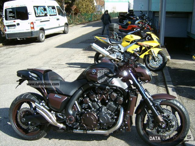 2011 Yamaha  V-Max Motorcycle Naked Bike photo
