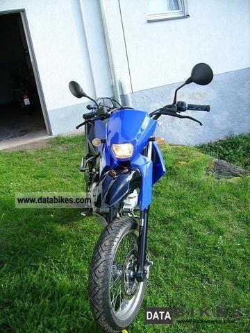 2006 Yamaha  XT Motorcycle Super Moto photo
