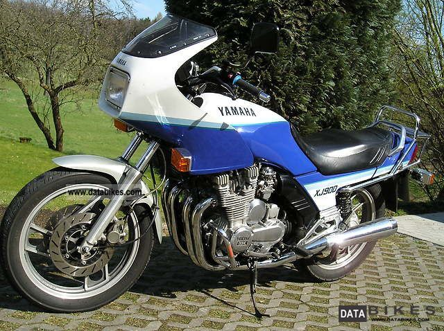 1991 Yamaha  XJ 900 Motorcycle Tourer photo