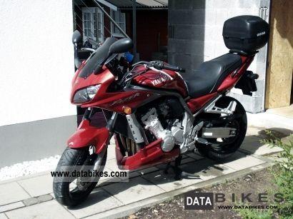 2002 Yamaha  Fazer 1000 Motorcycle Naked Bike photo