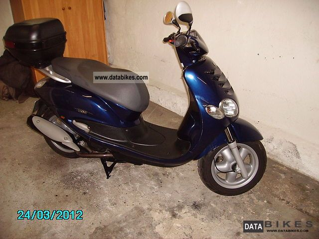2001 Yamaha  teos 125cc Motorcycle Scooter photo