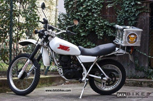 1990 Yamaha  XT 250 Motorcycle Enduro/Touring Enduro photo