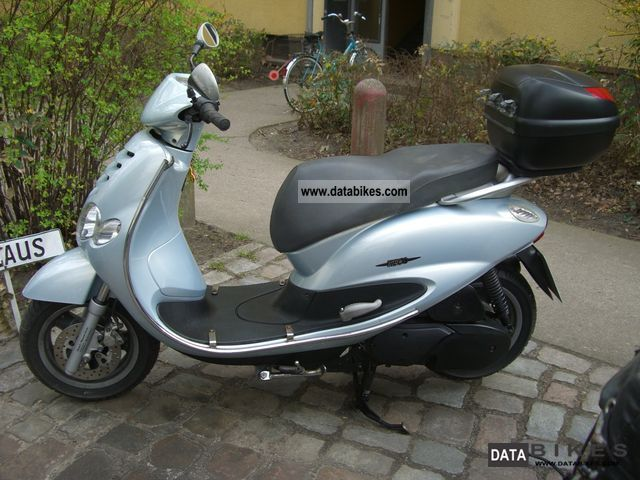 2005 Yamaha  Teo's Motorcycle Scooter photo