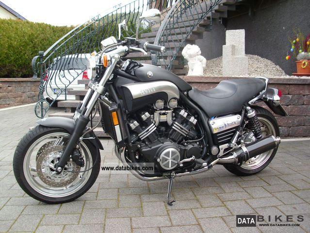 2004 Yamaha  V-MAX Motorcycle Tourer photo
