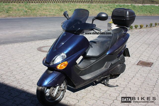 2004 Yamaha  YP Majesty 125D Motorcycle Scooter photo