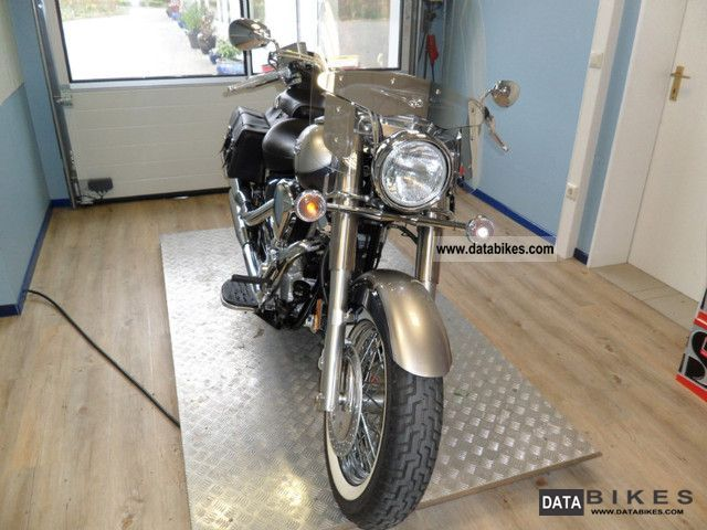 2012 Yamaha  XV 1700 Road Star Silverado 8 km Motorcycle Chopper/Cruiser photo