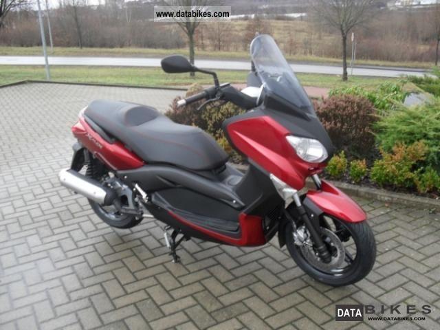 2011 Yamaha  X-MAX 125 Motorcycle Scooter photo