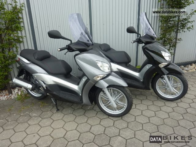 2011 Yamaha  X-City 125 Großradroller 700, - saved Motorcycle Scooter photo