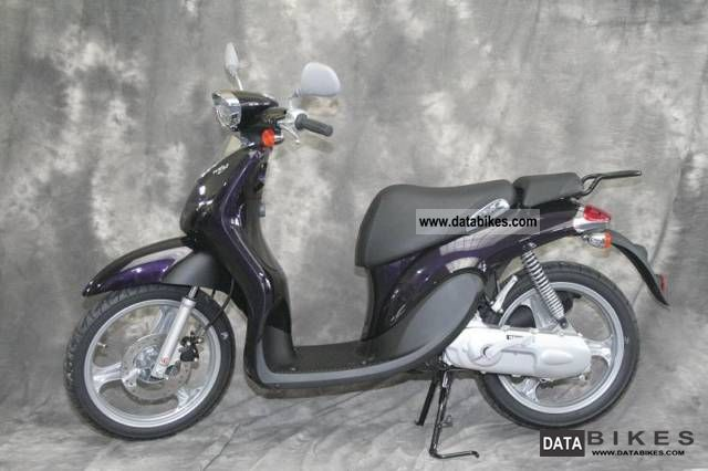 2012 Yamaha  WHY 50 Großradroller in retro style Motorcycle Scooter photo