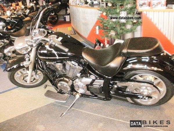 2012 Yamaha  XVS1300A UBS Demonstration Motorcycle Chopper/Cruiser photo