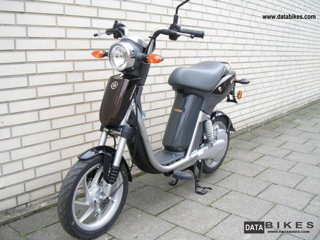 2011 yamaha ec 03 electric scooter new moped 45 km h. Black Bedroom Furniture Sets. Home Design Ideas