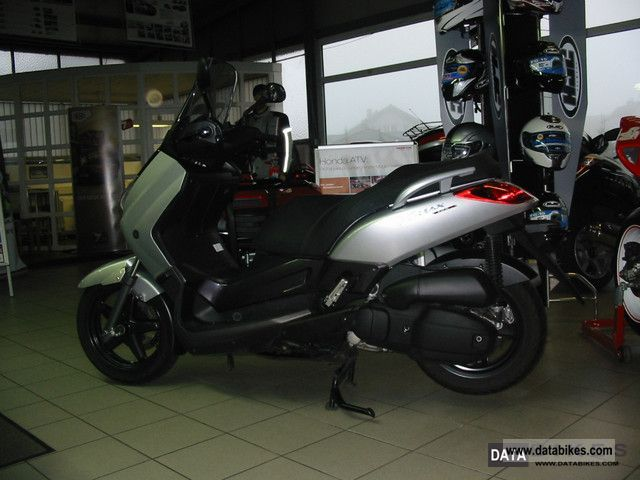 2008 Yamaha  125 X MAX Motorcycle Scooter photo