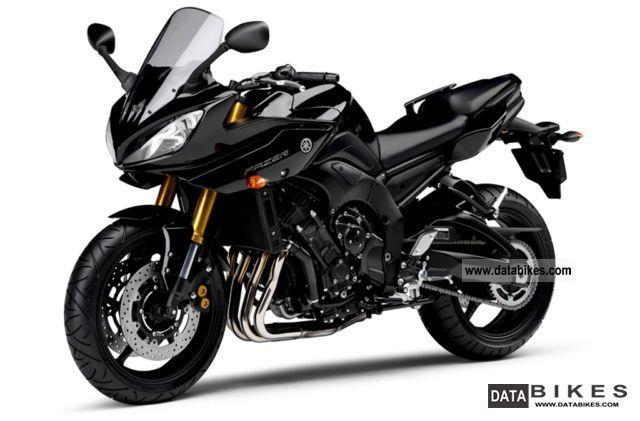 2012 Yamaha FZ8 Fazer ABS presenter 2012