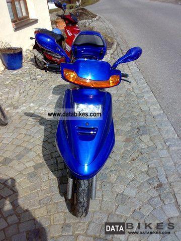 2000 Zhongyu  Future Motorcycle Scooter photo