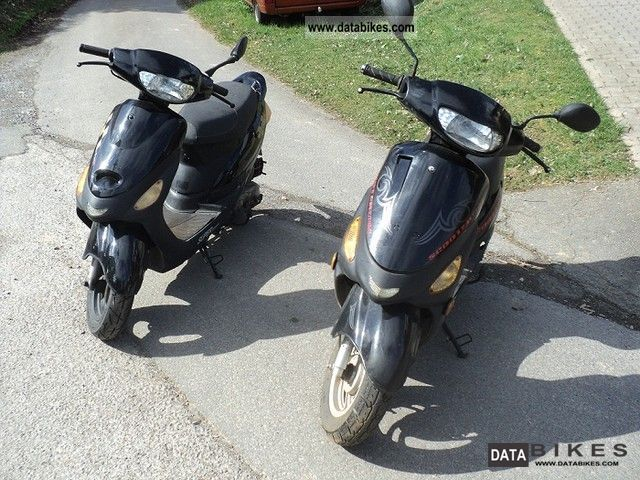 2009 Zhongyu  2 pieces on offer for 450 € gelafen little Motorcycle Scooter photo