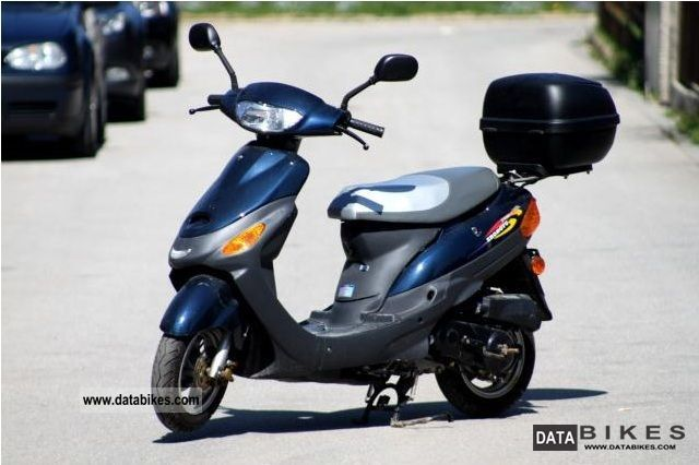 2004 Zhongyu  ZY50 ZY 50 QT 7 - only 470 km Motorcycle Scooter photo