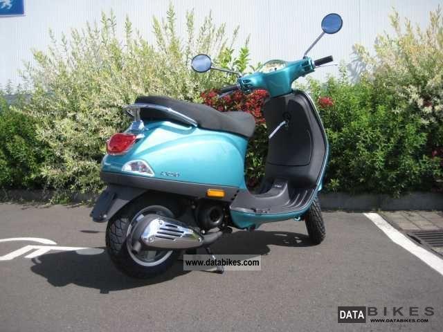2011 VESPA (PIAGGIO) LX 50 2T FL Green Portvenere
