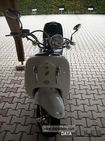 2010 Benero Retro Scooter